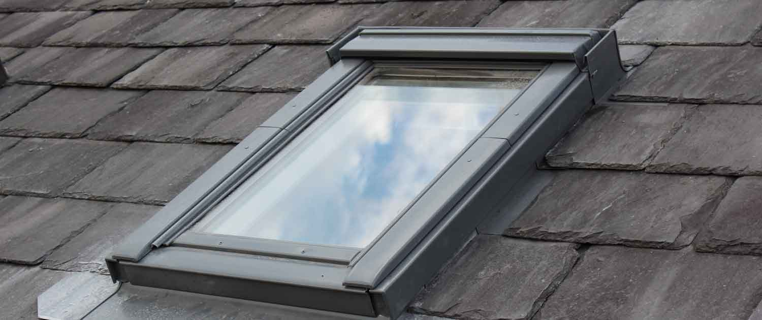 Velux roof windows fitting installation maintenance for Velux glass